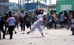 foto-foto Tragedi Priok Berdarah II (APARAT VS RAKYAT)